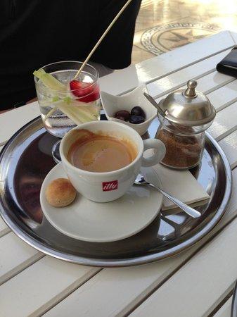 Kahve dünyası bayilik franchising koşulları ve fiyat bedeli